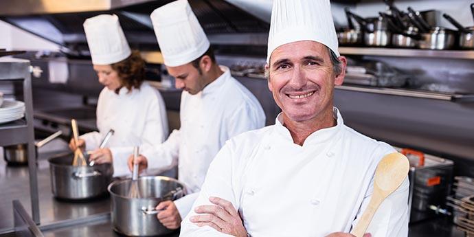 4 formas de desentupir pia de restaurante sem dificuldades