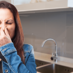 Causas do mau cheiro na cozinha. Veja como evitar